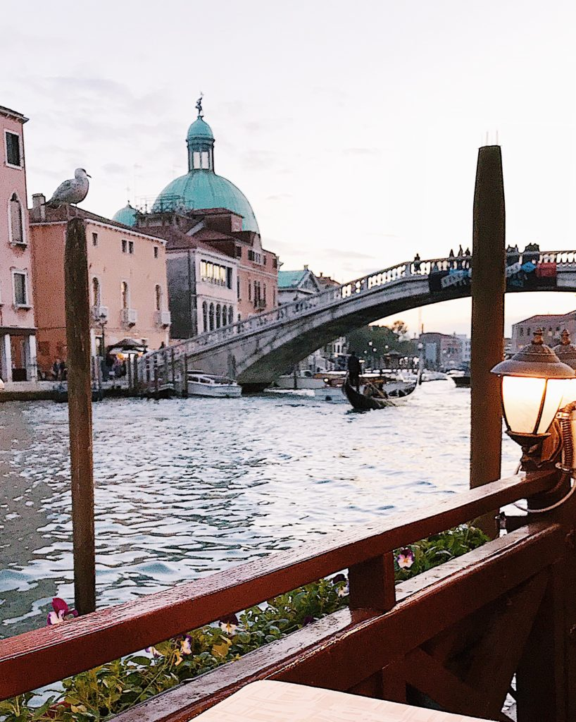 Visiting Italy in the Fall: weather, what to expect, where to go, what to wear #italy #travel #rome #italytravel #travelguide