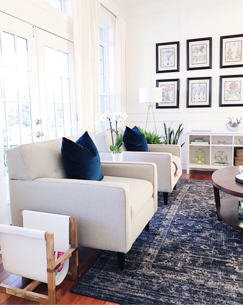 5 Tips To Declutter Your Home And Simplify Life Blue White Living Room