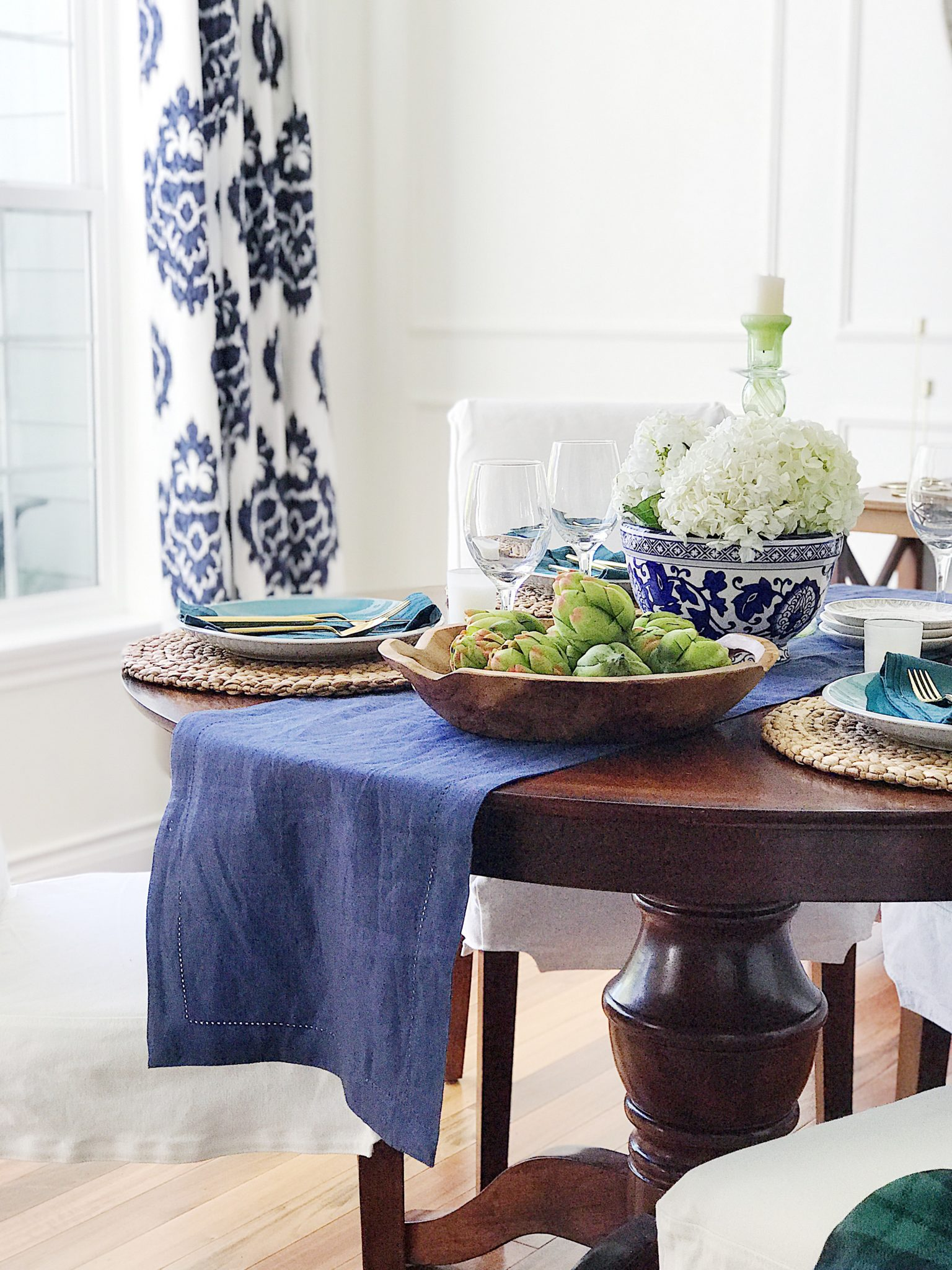 Welcoming Fall Doors and Tablescapes